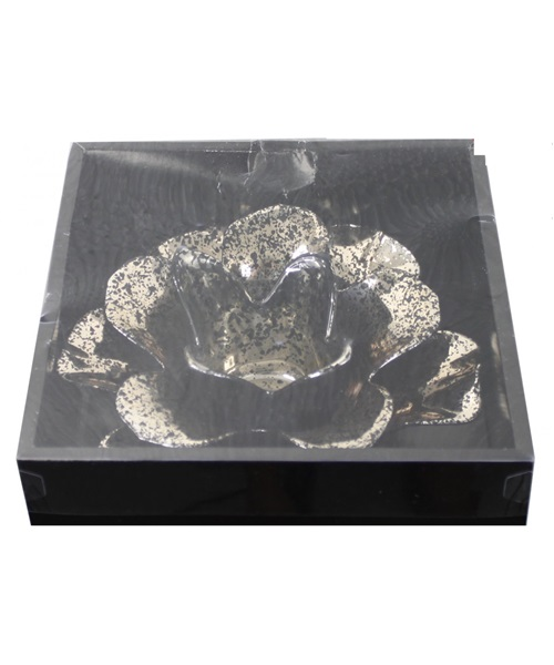 Black and golden flower tealight holder