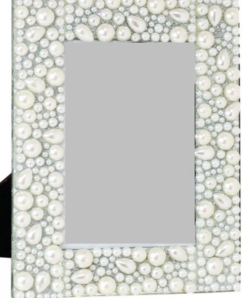 Cream photo frame with pearls